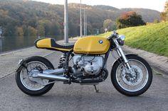 Hammer Kraftrad hat sich auf Motorradumbauten auf BMW-Basis spezialisiert. Ob Komplett- oder Teilumbau, am Ende ist das Motorrad eigens für seinen Besitzer gebaut.