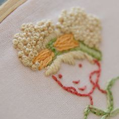 free tutorial for embroidering hair & lemme tell you: she has some amazing examples of many different hair styles *her own work* in the post  & they're incredible! o_0  *soSeptember.blogspot.com