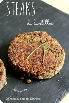 Steaks de lentilles sans gluten vegan Pour 6 steaks - 90gr de lentilles du Puy crues - 100gr de flocons de riz - 15 à 20cl de crème soja cuisine - 1 botte de persil - 2cs d'huile d'olive - 1 cube de bouillon de légumes - sel & poivre - chapelure de riz
