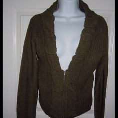 Sweater Green sweater brand new with tags Sweaters