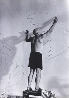 Pablo Picasso  https://www.facebook.com/media/set/?set=a.226743534151546.1073741832.122558571236710&type=1&l=999c0984b2