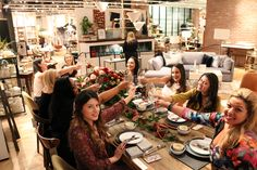 How To Host The Ultimate Friendsgiving: Food & Wine Pairing Coral Gables, Wine Tasting, Wine Recipes, Catering, Good Food, Kitchens, Catering Business, Gastronomia, Healthy Food
