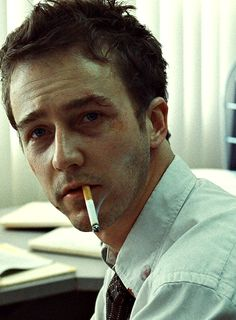 Love that movie, love him, and even though in the movie he looks all beat up the whole time, he's still cute. Ed Norton <3