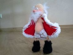me ~ Wonderful Art Handmade Spinning toys - DİY Creative Cooking Christmas Toys, Christmas Projects, Christmas Ornaments, Christmas Crochet Patterns, Holiday Crochet, Crochet Doll Pattern, Crochet Dolls, Xmas Decorations, Crafty