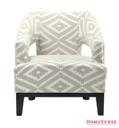 Super chaise accent chez Home Sense! Interior Decorating, Decorating Ideas, Interior Design, Homesense, St Barts, Spring Style, Future House, Living Rooms, New Homes