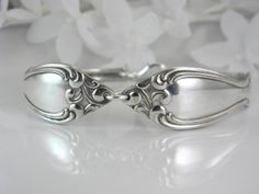 I love this spoon bracelet. I might have to buy this too for my wedding. Silverware Jewelry, Spoon Jewelry, Jewelry Bracelets, Cutlery, Spoon Bracelet, Fun Crafts, Jewerly, Heart Ring, Silver Rings