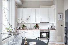 Simple home - via cocolapinedesign.com