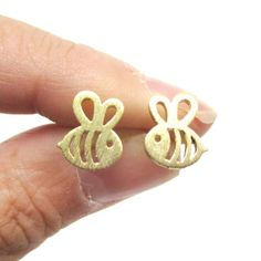 Fashion bees stud earrings Lovely hollow out the bees stud earrings Obesity bee stud earrings