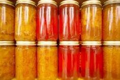 No-Cook Freezer Jams. using agar flakes (think chia or psyllium husks too) and a cup of honey for 3 cups of fruit….Very Clean Jam! Home Canning, Canning Jars, Canning Recipes, Mason Jars, Jar Recipes, Freezer Jam, Freezer Cooking, Fruit Jam, Canned Tomato Sauce