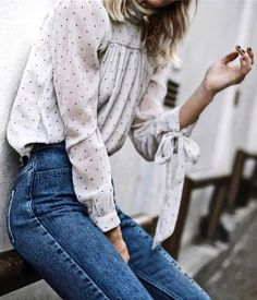 Summer combo: silk blouse and stone-washed denim