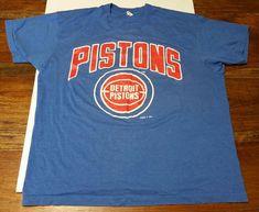 b455474aec72 Vintage Detroit Pistons NBA Basketball Screen Stars Blue T-Shirt Men s XL  Logo 7