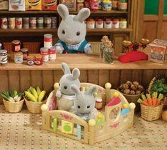 Bratz Doll, Blythe Dolls, Sylvanian Families House, Calico Critters Families, Sylvania Families, Rum, Diy And Crafts, Crafts For Kids, Miniature Crafts