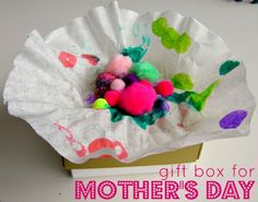 Easy Mother's Day Craft - help your child make this Mother's Day craft and your gift can stay a surprise.