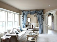 Window valance patters will offer you an enormous number of choices - a combination of curtains and draperies, tied together at the sides, covering Curtain Pelmet, Curtains And Draperies, Elegant Curtains, Luxury Lighting, Living Room Furniture, House Design, Interior Design, Swag, Bay Windows