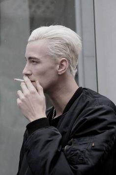 Bleached Hair for Men: Achieve the Platinum Blonde Look - Hairstyle on Point White Hair Men, Black Hair, Bleached Hair Men, Ivan Bubalo, Blonde Grise, Blonde Hair Boy, Platinum Blonde Hair Men, Cult, Grunge Hair