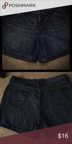 """Old navy women's Jean shorts Old navy women's """"flirt"""" fitted Jean shorts. Excellent used condition 😊 Old Navy Shorts Jean Shorts"""
