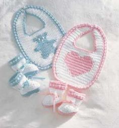For Christines baby! Free Crochet Baby Booties and Bib Pattern. Crochet Baby Bibs, Crochet Baby Clothes, Baby Blanket Crochet, Crochet For Kids, Crochet Yarn, Baby Knitting, Free Crochet, Booties Crochet, Free Knitting