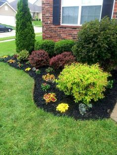 Beautiful Front Yard Flowers Garden Landscaping Ideas Flower beds give you the chance to bring color and texture to your landscape design. Use a flower bed to create a focal point, give purpose to an awkward space and reduce the… Continue Reading → Small Front Yard Landscaping, Garden Design, Planting Flowers, Front Yard Garden Design, Backyard Garden, Yard Design, Mulch Landscaping, Backyard