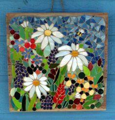 Mosaic Garden Art, Mosaic Tile Art, Mosaic Pots, Mosaic Artwork, Pebble Mosaic, Mosaic Diy, Mosaic Crafts, Mosaic Projects, Mosaic Glass