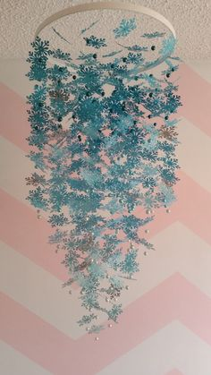 Hey, I found this really awesome Etsy listing at https://www.etsy.com/listing/191661235/extra-large-blue-ombre-snowflake-mobile