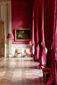 Musée Jacquemart-André museum located at 158 Boulevard Haussmann in the arrondissement of Paris. French Interior, Classic Interior, Interior Decorating, Interior Design, Design Room, Design Design, Paris Apartments, Parisian Apartment, Eclectic Decor