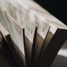 Best books to read! Up Book, Book Nerd, Love Book, Journaling, Book Instagram, Paris Ville, The Secret History, Book Aesthetic, Book Photography