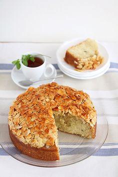 פיית העוגיות: הפינה הפשוטה - עוגת נענע מרוקאית עם קראסט של שקדים ודבש