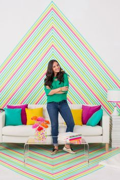 A great way to express yourself without the mess or commitment with this DIY Temporary Wallpaper Using Washi Tape
