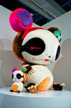 Takashi-Murakami-Panda-geant-2009-Galerie-Emmanuel-Perrotin-Art-Basel-Miami-Beach