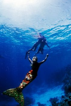 Pu'u image of Hannah Mermaid, 2007, Maldives. I didn't get to go on that trip with David and Team Betty because I was  in the process of opening the Betty B. brick and mortar store in Ventura. At least I have pretty pictures hanging in the store. : )