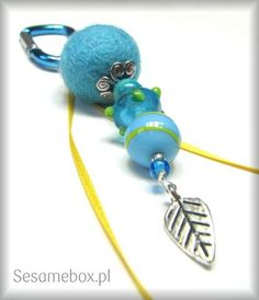 keychain- I like these colors;stop colors of summer before winter come.