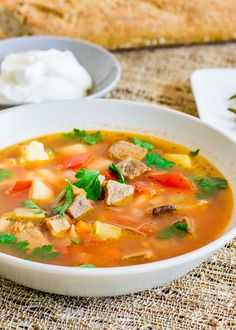 Beef Soup – a traditional Romanian soup full of veggies, very healthy and delicious. The beef is cooked for 3 hours thereby making it super moist. Beef Soup Recipes, Chilli Recipes, Healthy Recipes, Drink Recipes, Healthy Food, Scottish Recipes, Turkish Recipes, Romanian Recipes, Romanian Food