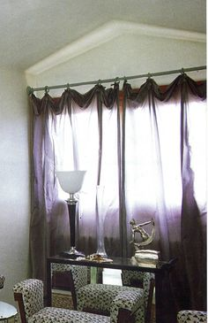 Amazing folded up and droopy sheer curtain heading which gives a casual and decadent look Navy Blue Velvet Sofa, Drapes And Blinds, Curtain Headings, Pelmets, Brick Wallpaper, Curtain Poles, Window Dressings, Showcase Design, Leather Sofa