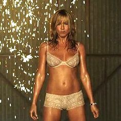 Jennifer Aniston's Yoga Moves to Work Abs- popsugar video- 10 minutes yoga + toning