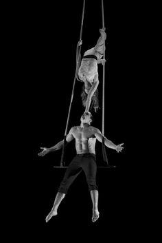 tumblr_mjxz9mEOZ01s91yleo4_1280.jpg 667×1,000 pixelsDuo eMotionDuo danse trapeze 2013Morgane Tisserand et Pierre Antoine Chastang