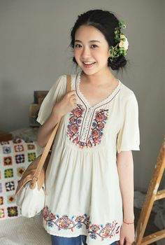 I really like this style of shirt! Very mori! Nice and lite (light?)  for summer!