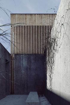 <p>Light Soil V.2 is a project of a single family house located in Poznan in Poland. studio de.materia made use of the natural shape of the terrain by placing the garage on street level while the actu