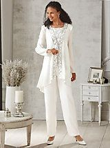 Embellished Pants Set - It has everything you love: luxurious fabric, sparkling accents and a fit that flatters. Open-front jacket with shoulder pads for slight shaping Wedding Pants Outfit, Wedding Trouser Suits, Dressy Pant Suits, Wedding Pantsuit, Mother Of The Bride Suits, Mother Of Bride Outfits, Mother Of Groom Dresses, Mothers Dresses, Stylish Outfits