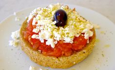 The Cretan Dakos: This is What The Mediterranean Diet is All About | Olive Tomato