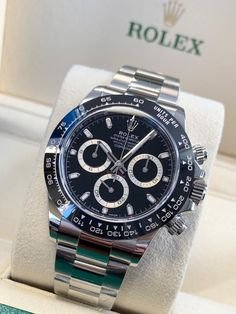 One of the world's most prestigious wristwatches, the Rolex Daytona has been winning plaudits for years – and this fabulous modern edition released at Baselworld 2016 has quickly become one of the most sought after watches from any Rolex collection. Rolex Daytona Gold, Gold Rolex, Rolex Daytona Steel, Rolex Daytona Stainless Steel, Rolex Daytona Watch, Black Rolex, Rolex Cosmograph Daytona, Patek Philippe, Audemars Piguet