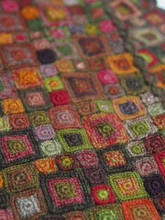 Art Au Crochet, Beau Crochet, Crochet Motifs, Freeform Crochet, Crochet Squares, Knit Crochet, Crochet Patterns, Granny Squares, Blanket Crochet
