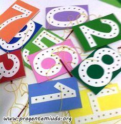 Alfabeto e números feitos com alinhavo