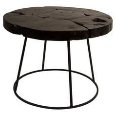 Hrubou a robustní desku stolu podpírá kvalitní železná podnož v černém provedení.