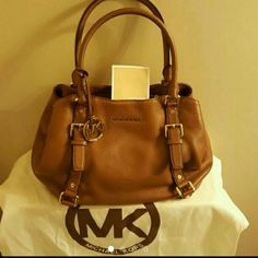 Michael Kors large bedford satchel Beautiful soft pebble leather large satchel. In absolutely excellent condition. Still has dustbag and care card.  TV $375 Michael Kors Bags Satchels
