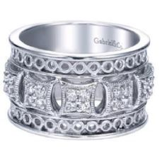 Love this ring from Gabriel & Co Collection.