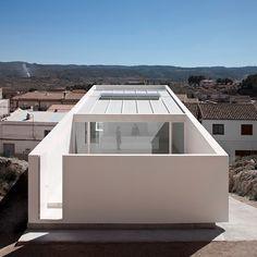 Fran Silvestre Arquitectos | CASA EN LA LADERA DE UN CASTILLO