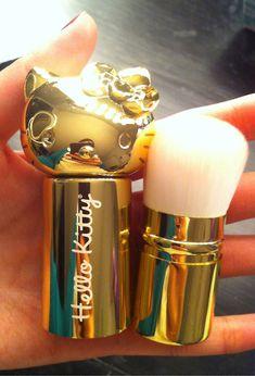 Hello Kitty Makeup Brush. golden