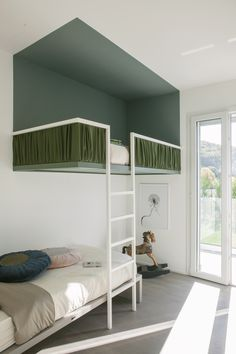40 Fascinating Kids Bedroom Design Ideas For Your Kids - Your kid is a special human being to you and therefore you should ensure that your kids bedroom designs are also that much special. We all adore our k. Kids Bedroom Designs, Kids Room Design, Kids Bedroom Ideas, Cool Kids Rooms, Room Kids, Home Furniture, Furniture Design, Rustic Furniture, Bedroom Furniture