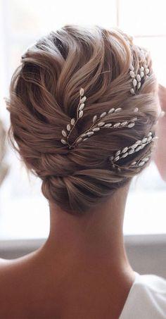 Chignon Hair, Bridal Hair Updo, Wedding Hair And Makeup, Ponytail Hairstyles, Bride Hairstyles, Hairstyle Ideas, Short Hair Wedding Updo, Classic Updo Hairstyles, Bridal Bun
