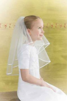 How to wear a First Communion Veil or Holy Communion Tiara - Girls First Communion Veil & Tiara Tips & Advise